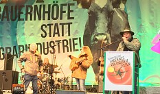 Tausende fordern neue Agrarpolitik
