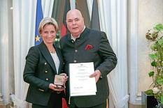 Rudolf Bühler erhält Wirtschaftsmedaille des Landes