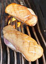 Bio-Grillprodukte von Fleisch bis zur Kohle